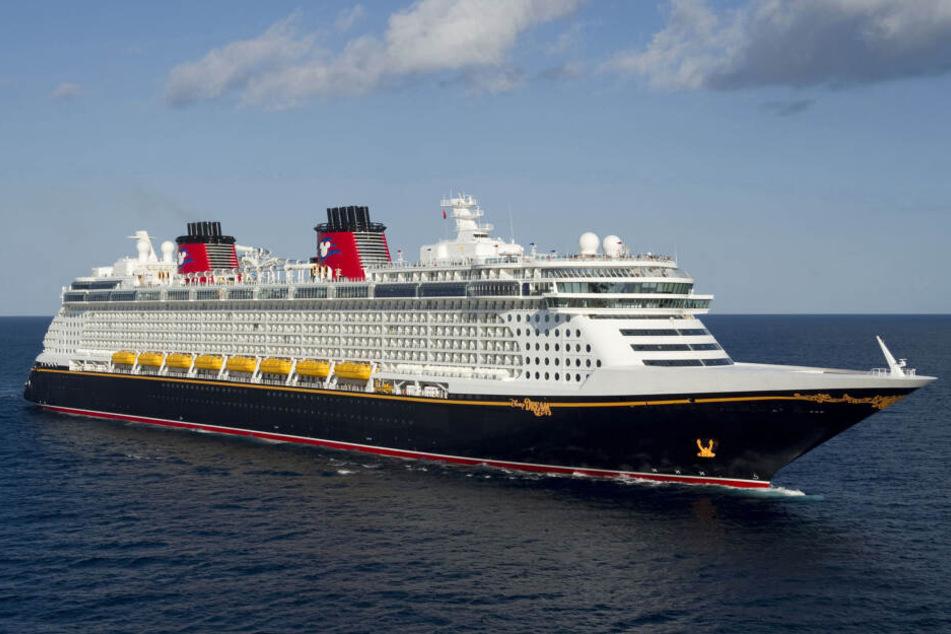 """Die """"Disney Dream"""" auf hoher See."""