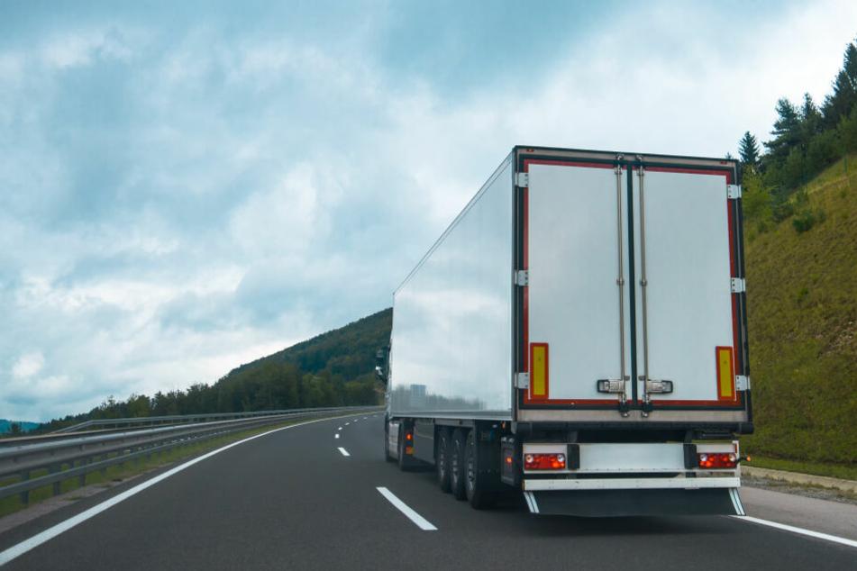 Lkw-Fahrer checkt Ladung nach Ankunft in Deutschland und traut seinen Augen nicht