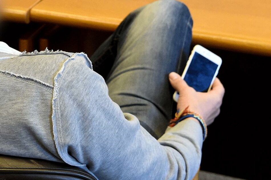 Daren Y. stalkte seine Ex-Freundin mit fiesen SMS. (Symbolbild)