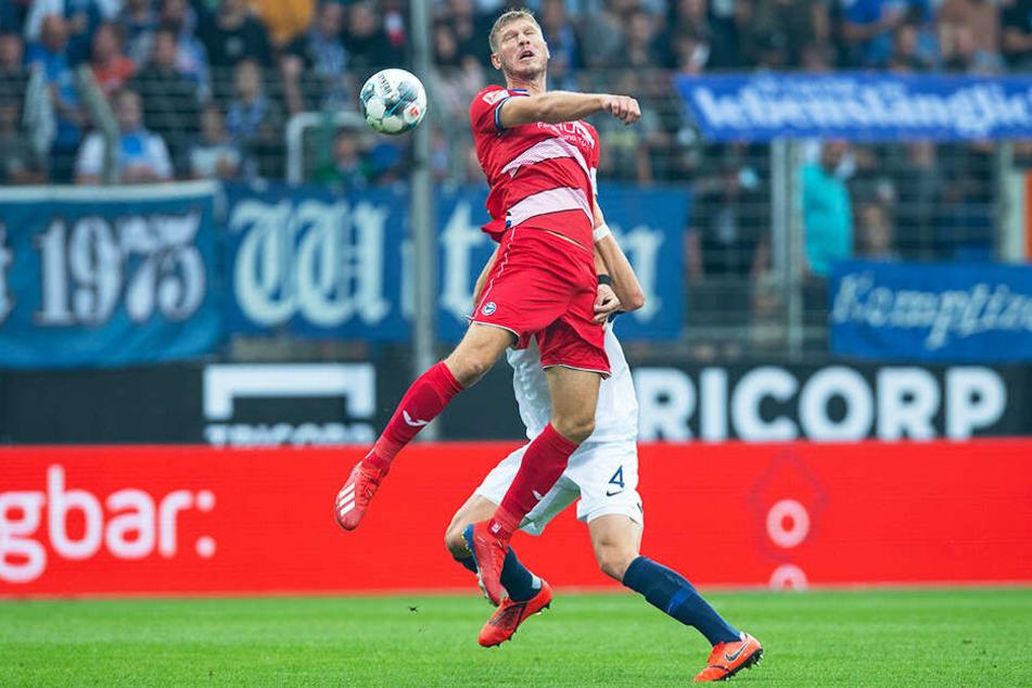 Bielefelds Sturmtank Fabian Klos traf zum zwischenzeitlichen 2:0 für Arminia.