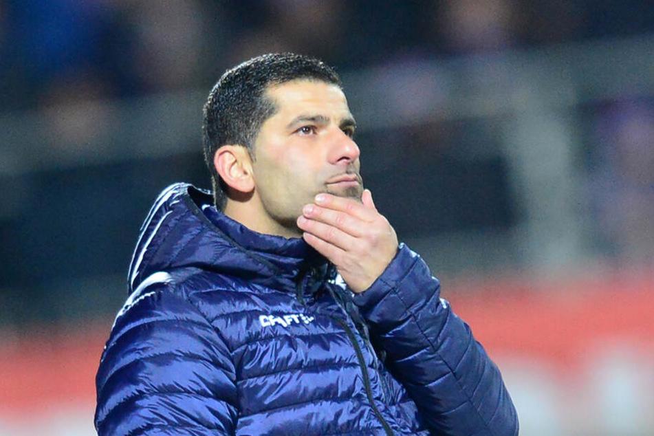 Darmstadts Coach Dimitrios Grammozis will mit seinem Team endlich wieder siegen.