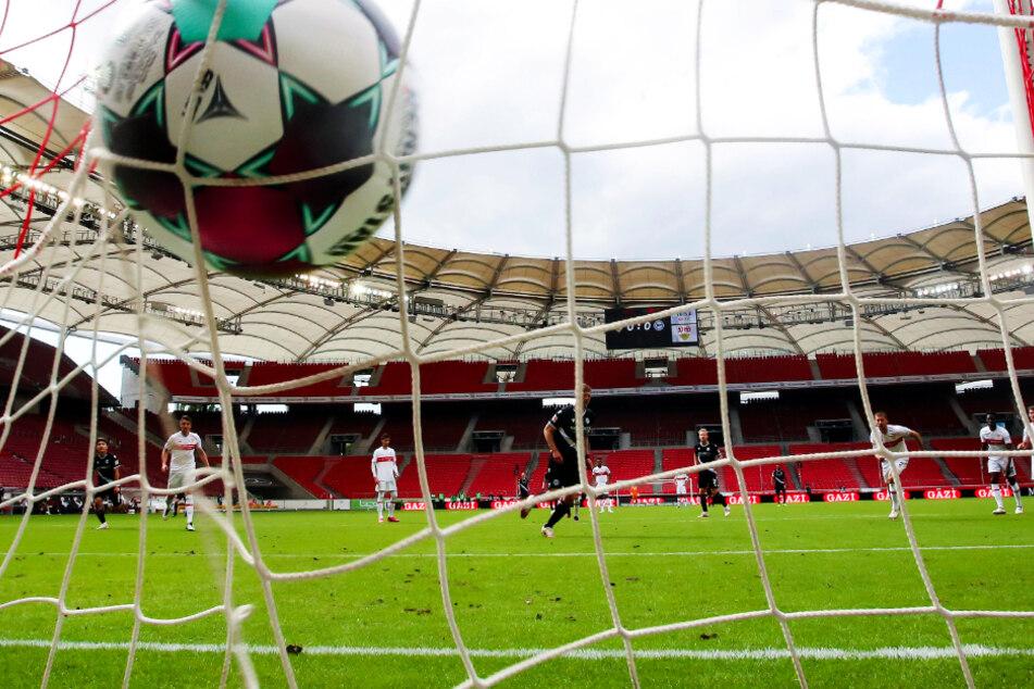 Am Samstag kommt es in der Mercedes-Benz Arena zum Testspiel des VfB Stuttgart gegen den FC Barcelona.