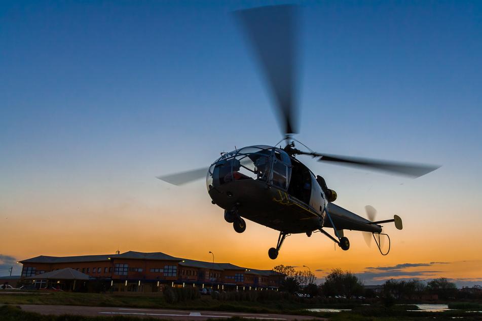 Bewaffnete entführen Helikopter und überfliegen Gefängnisse