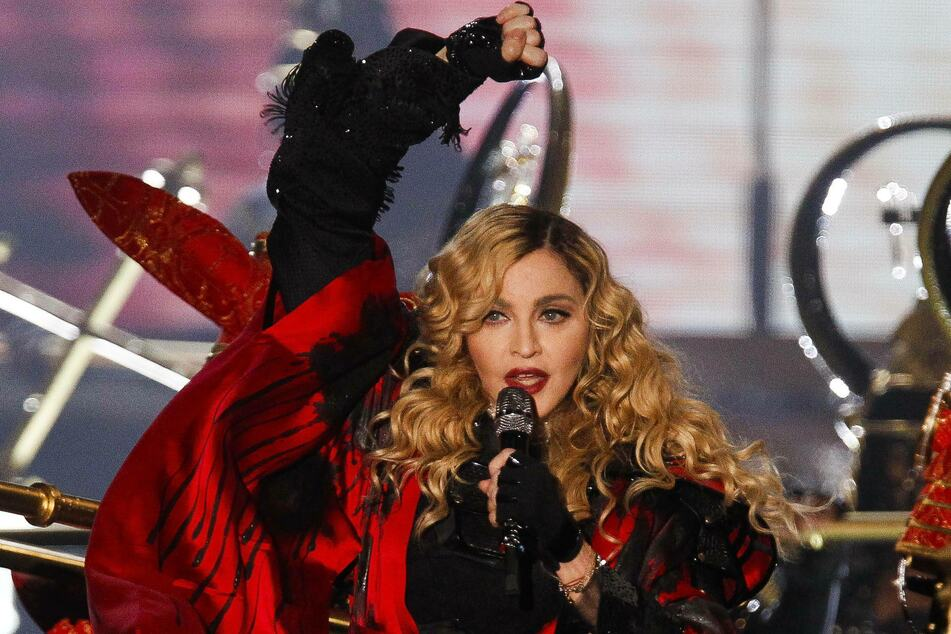 Madonna (62) doesn't let a global pandemic stop her from traveling the world.