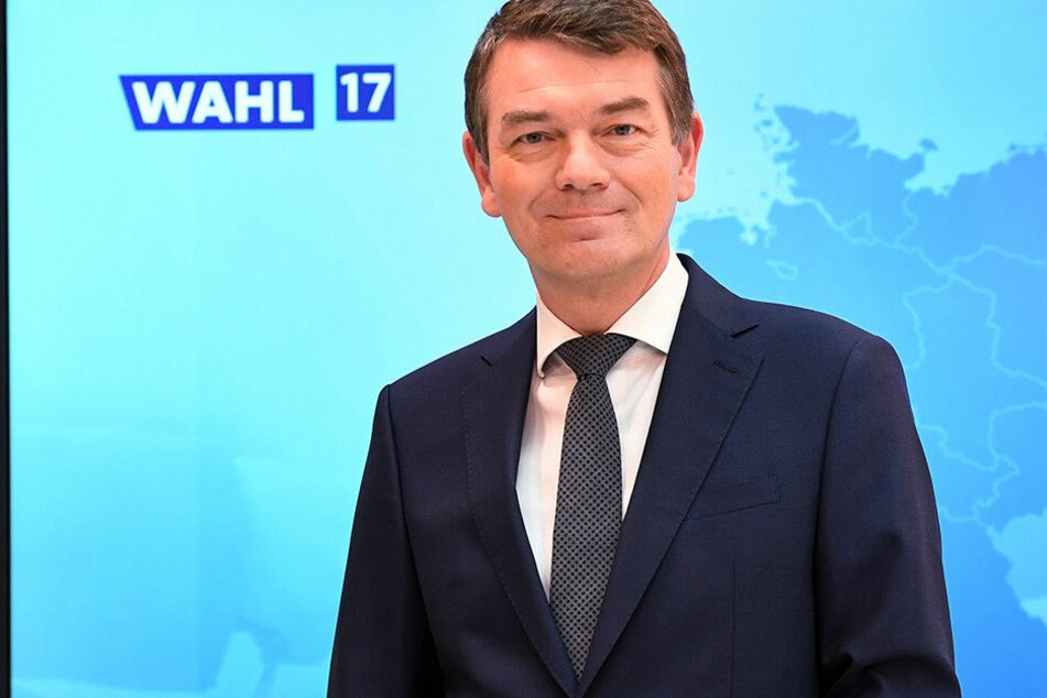 Jörg Schönenborn moderiert im Westdeutschen Rundfunk (WDR).