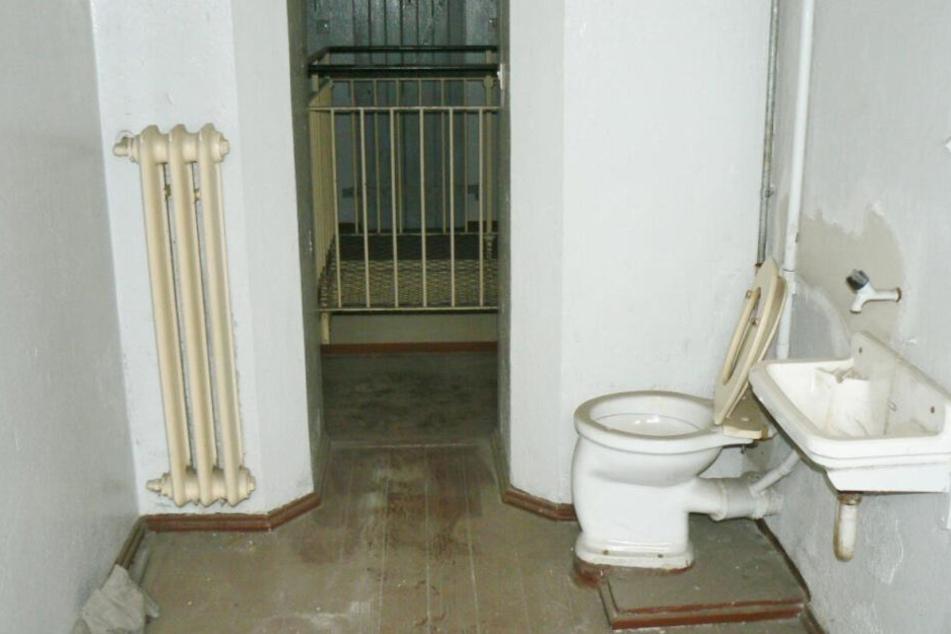 Wer hier einziehen will, sollte vielleicht vorher noch etwas Geld in die Sanitäranlagen stecken.