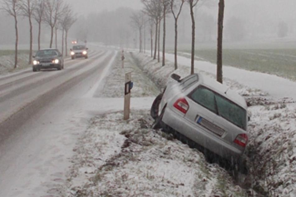 Ohne Führerschein, dafür aber mit Alkohol im Blut stieg ein 39-Jähriger ins Auto.