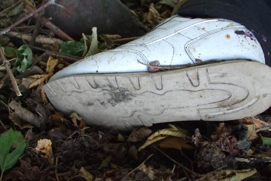 So sieht der Schuh der toten Person aus.