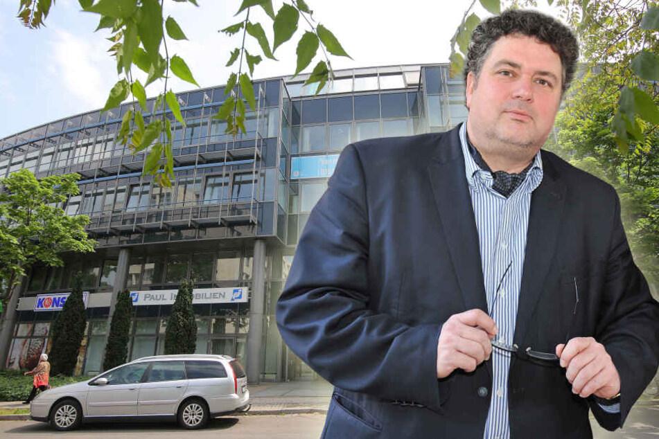 VHS-Chef Jürgen Küfner koordiniert den Umzug in die Annenstraße.