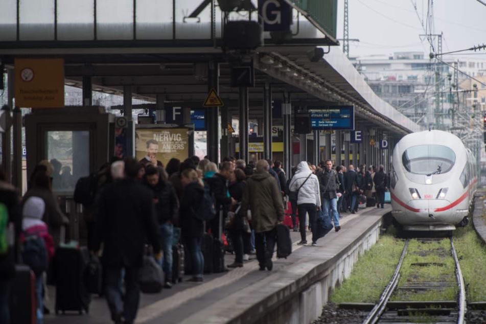 Großer Andrang im Bahnverkehr zu Weihnachten