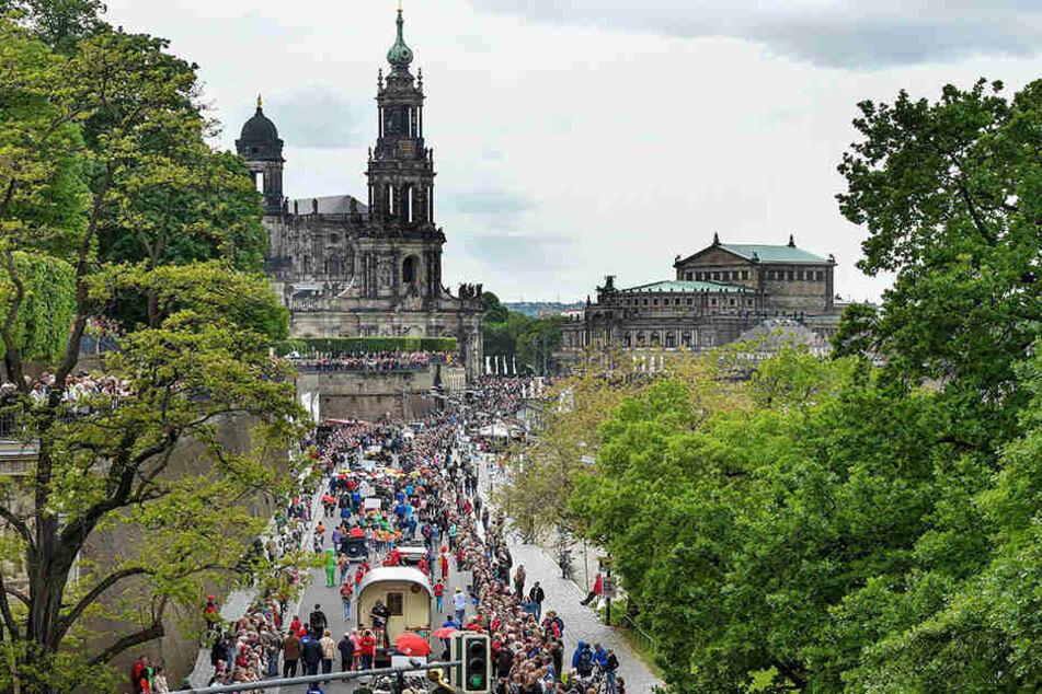 Dixie total: Die Parade am Sonntag zieht jedes Jahr tausende Jazzfans nach Dresden.