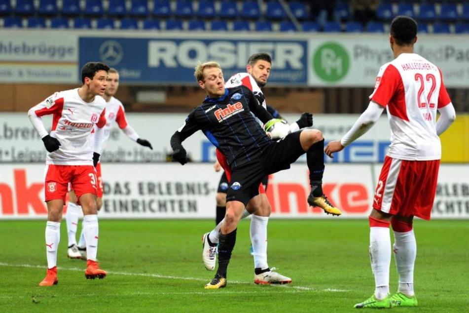 Die Abwehr des Halleschen FC stand dicht beieinander und machte es dem SCP schwer, ein Durchkommen zu finden.