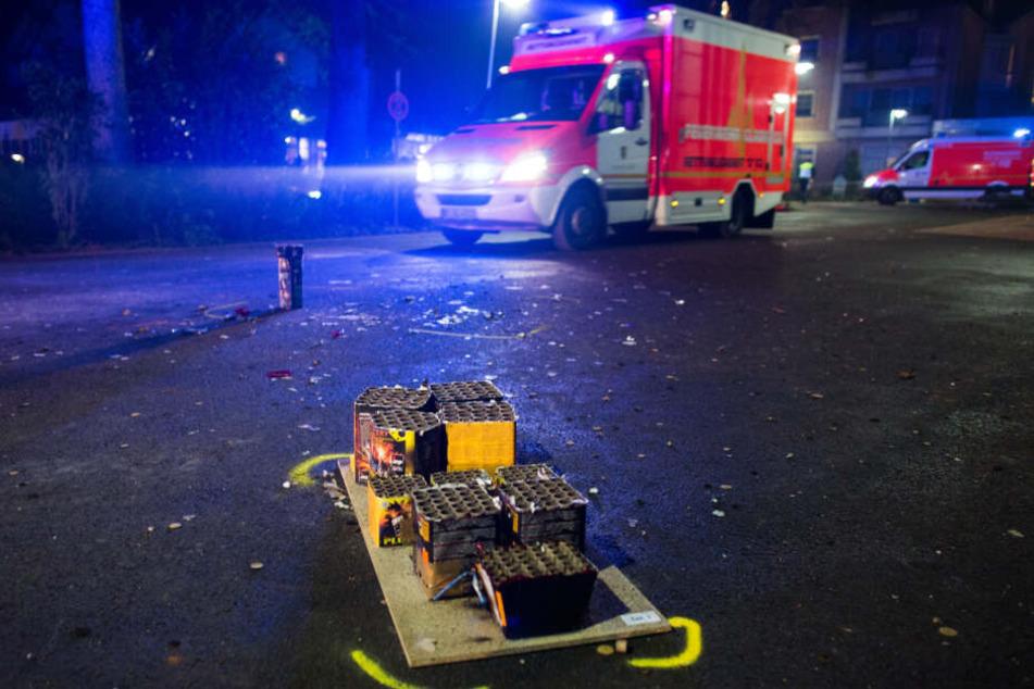 In der Silvesternacht sind Rettungskräfte im Dauereinsatz.