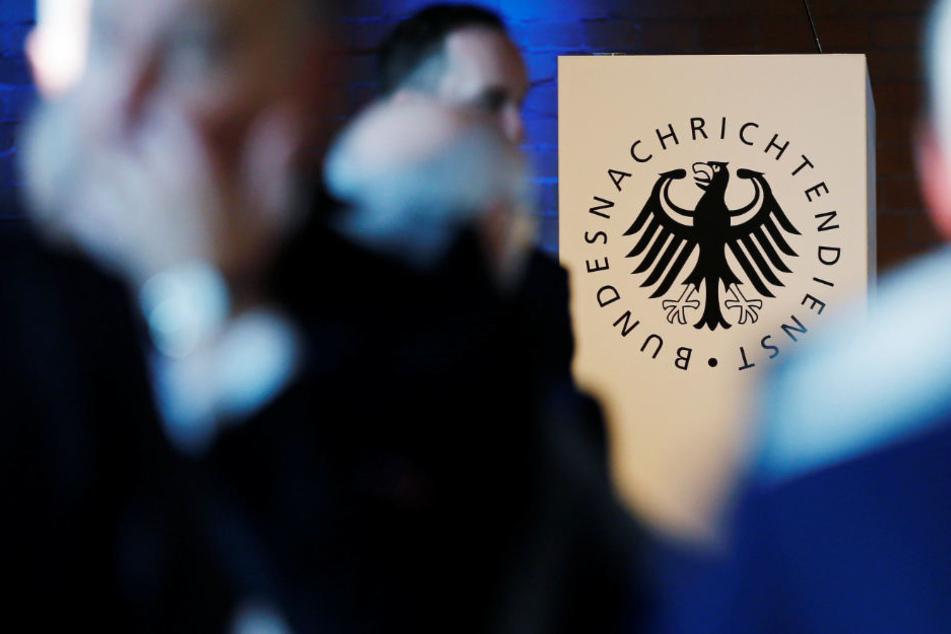 """90.000 Grenzschützer, 20 Milliarden Baukosten, neun Milliarden für den Unterhalt: Alles um Deutschland im """"Zeitalter der Völkerwanderungen"""" zu schützen."""