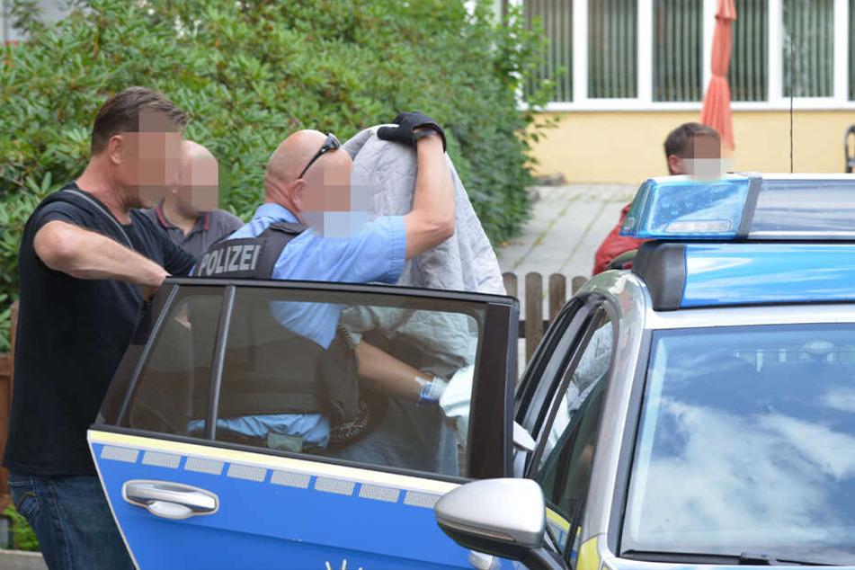 Die Polizei hat einen Verdächtigen in dem Fall festgenommen.