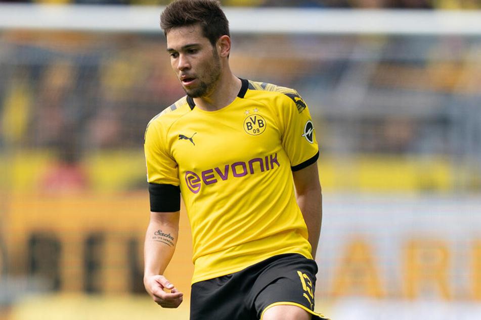 Bleibt er in Schwarz-Gelb, oder steht ein Wechsel ins Ausland bevor? Raphael Guerreiro ist eines der letzten wackeligen Kader-Bausteine des BVB