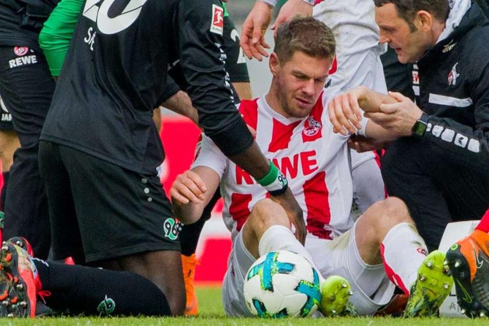 Simon Terodde musste im Spiel gegen Hannover 96 in der 61. Minute ausgewechselt werden.