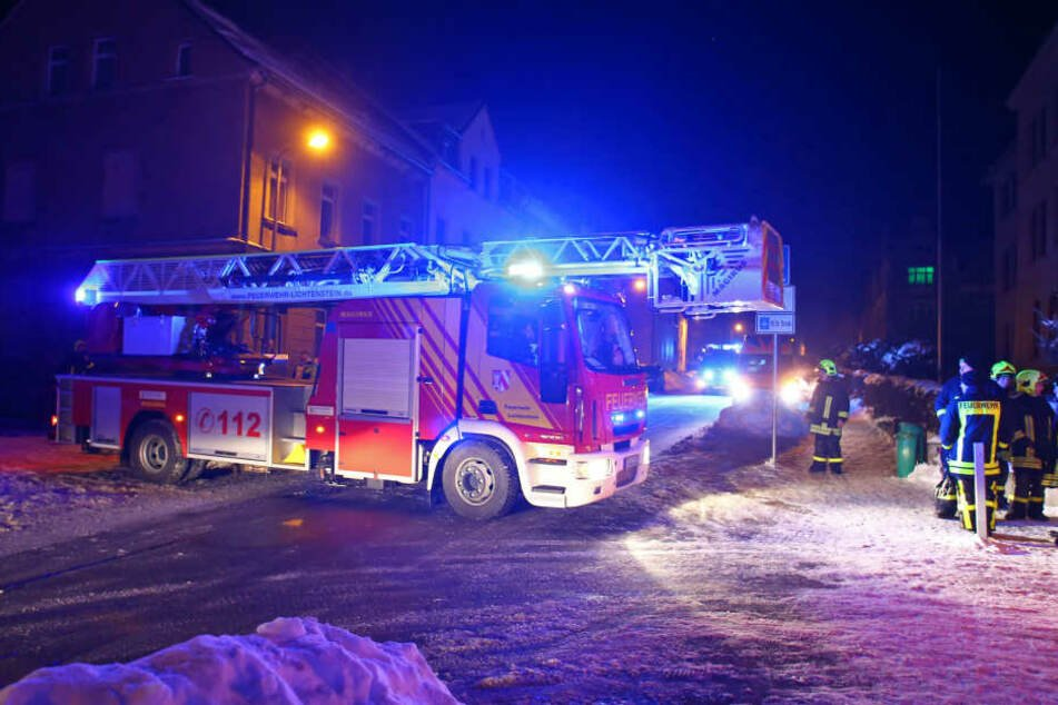 Die Feuerwehr war mit 33 Mann bei dem Brand im Einsatz.
