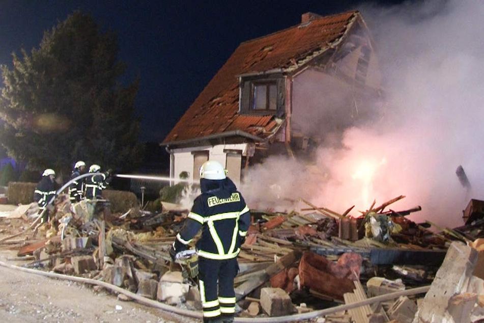 Explosion in Doppelhaus! Toter Mann im Keller entdeckt