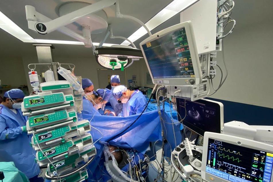 In iranischen Kliniken werden wegen Corona langsam die Betten knapp (Symbolbild).