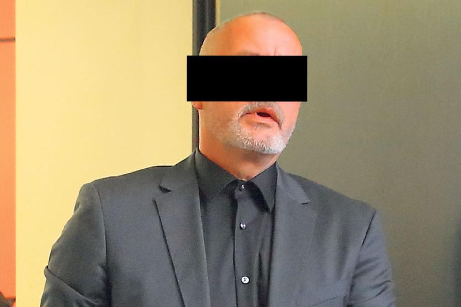 Seit Monaten ist Hauptmeister Roland G. (50) schon suspendiert. Sein  Disziplinarverfahren läuft noch.