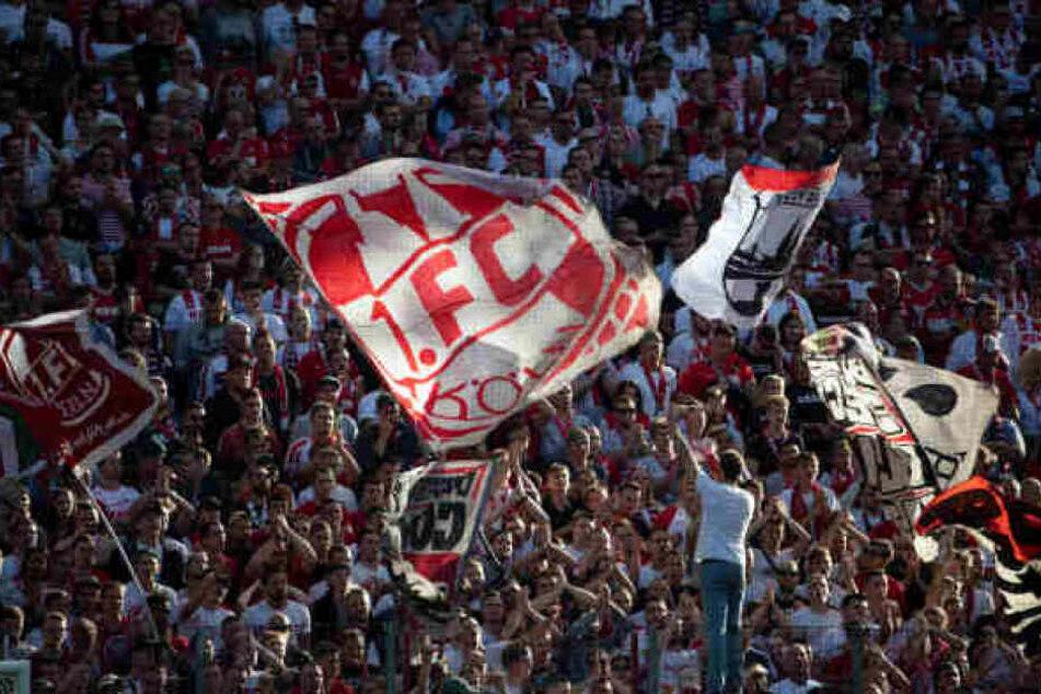 Fußball-Fans beim Rhein-Derby.