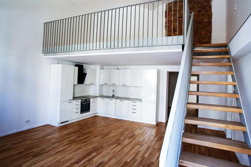 Alle Wohnungen verfügen über Einbauküchen. Stilvoll das historische Ziegelwerk, das teils unverputzt bleibt.