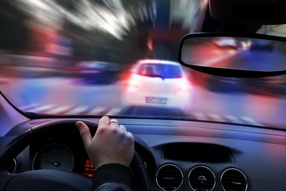 Quer durch die Stadt verfolgte die Polizei den Mann. (Symbolbild)