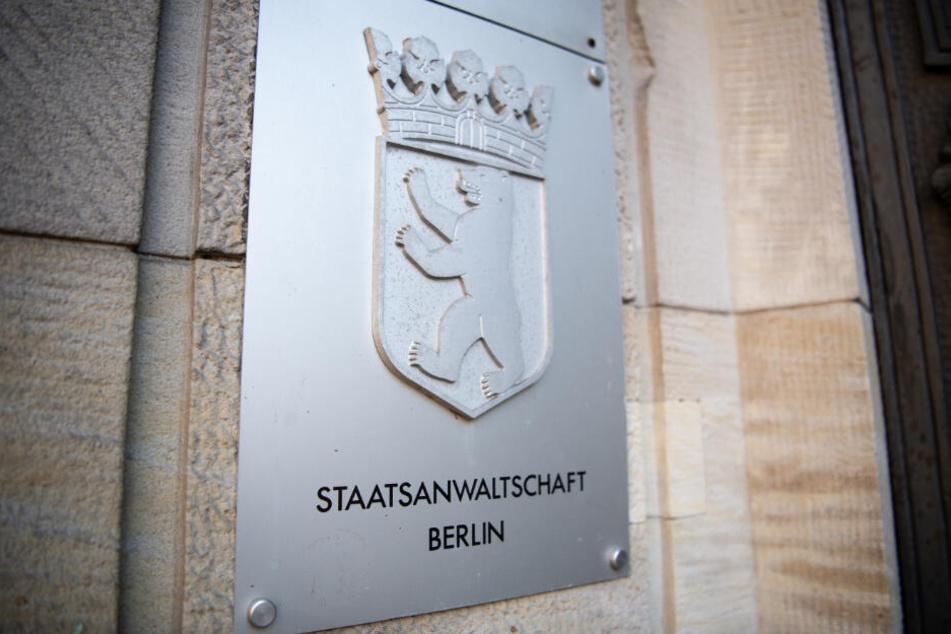 """Das Schild mit der Aufschrift """"Staatsanwaltschaft Berlin"""" am Eingang des Gerichts in Moabit."""
