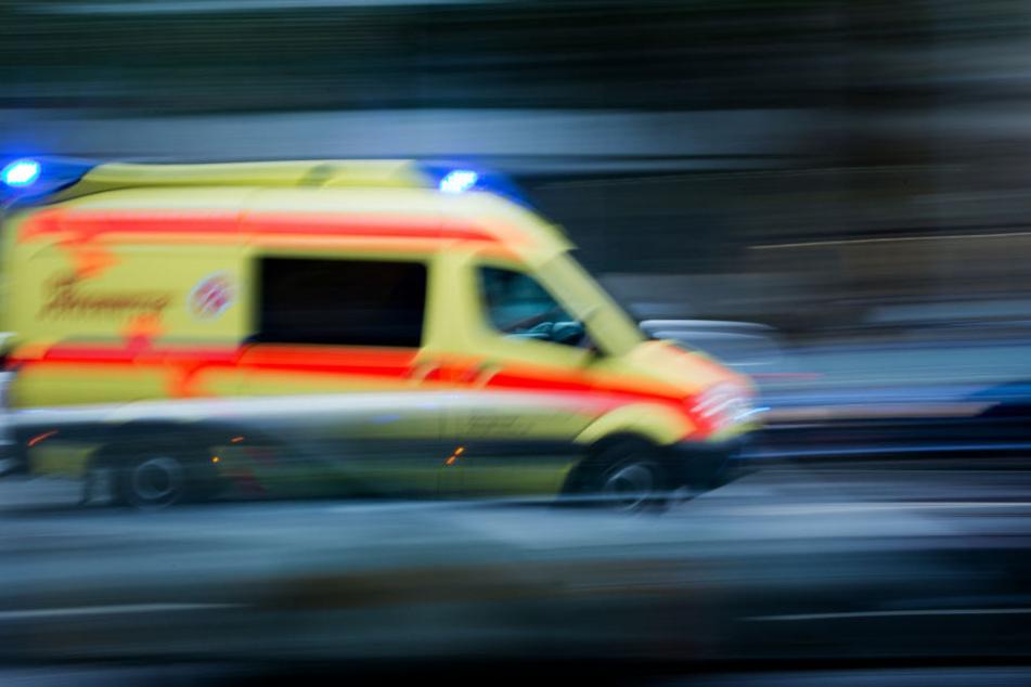 JEde Hilfe kam zu spät: Der 22-Jährige starb noch an der Unglücksstelle. (Symbolbild)
