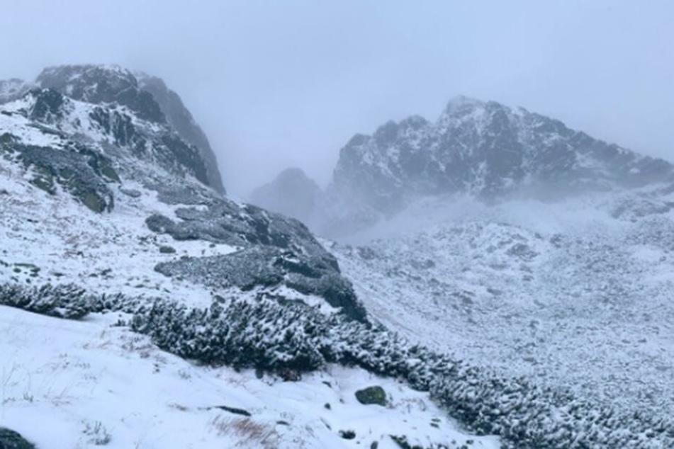 In der Hohen Tatra fiel am Sonntag gebietsweise über 30 Zentimeter Neuschnee.