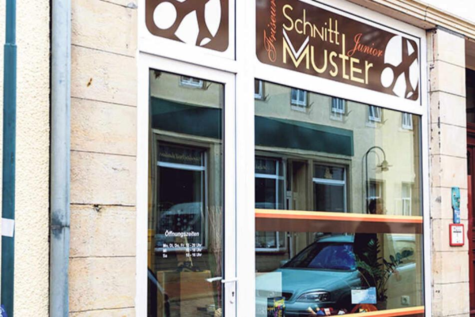 Neuerdings gibt es in diesem Geschäft im kleinen Wilsdruff eine eigene Barbier-Ecke.