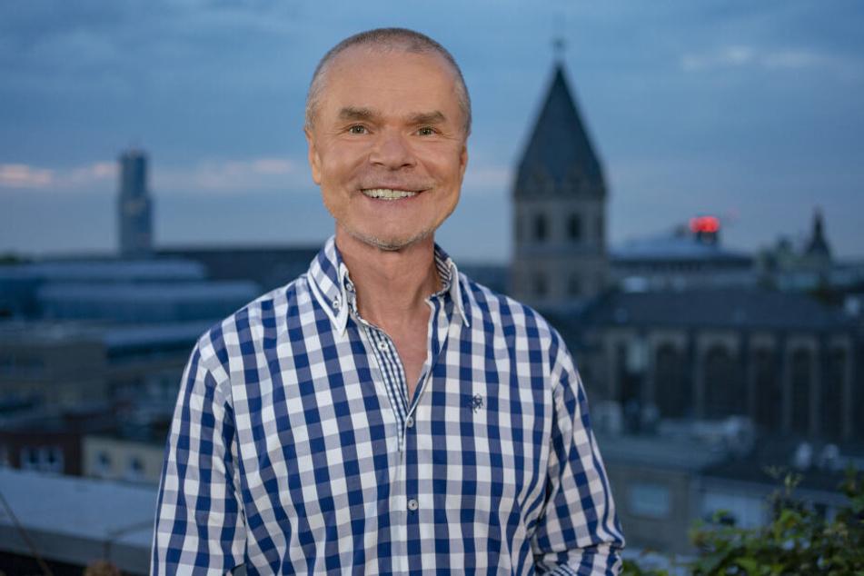 """Talker Jürgen Domian (61) ist mit """"Domian live"""" ab November im WDR zu sehen."""