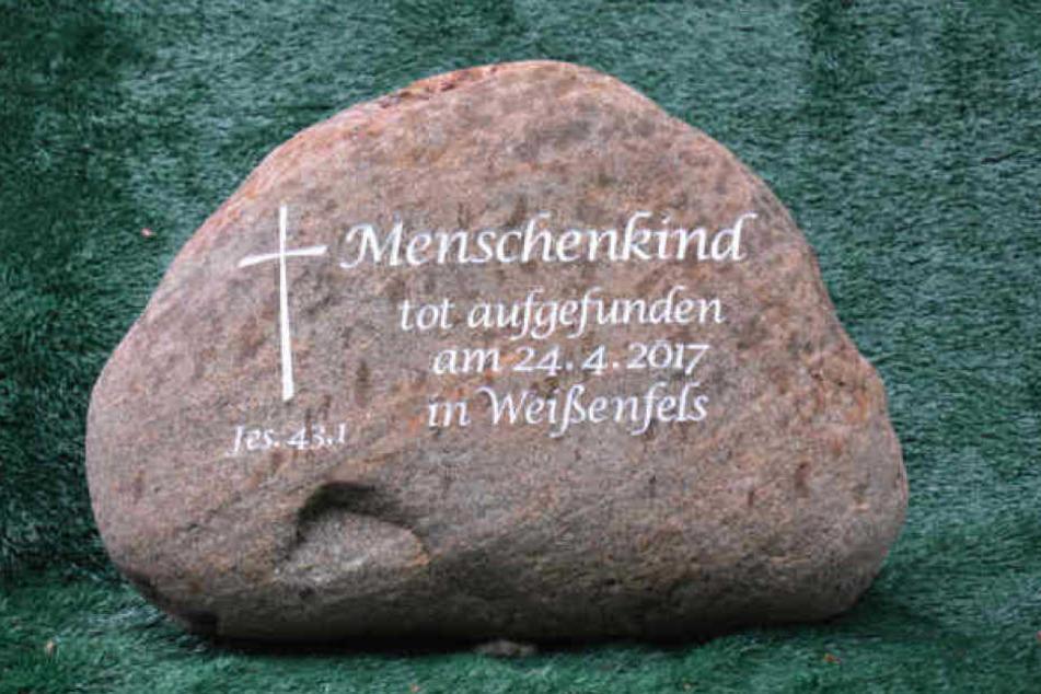 Das tote Baby wurde im April 2017 in einem Garten in Weißenfels (Sachsen-Anhalt) gefunden. Die Mutter ist noch immer nicht gefunden.