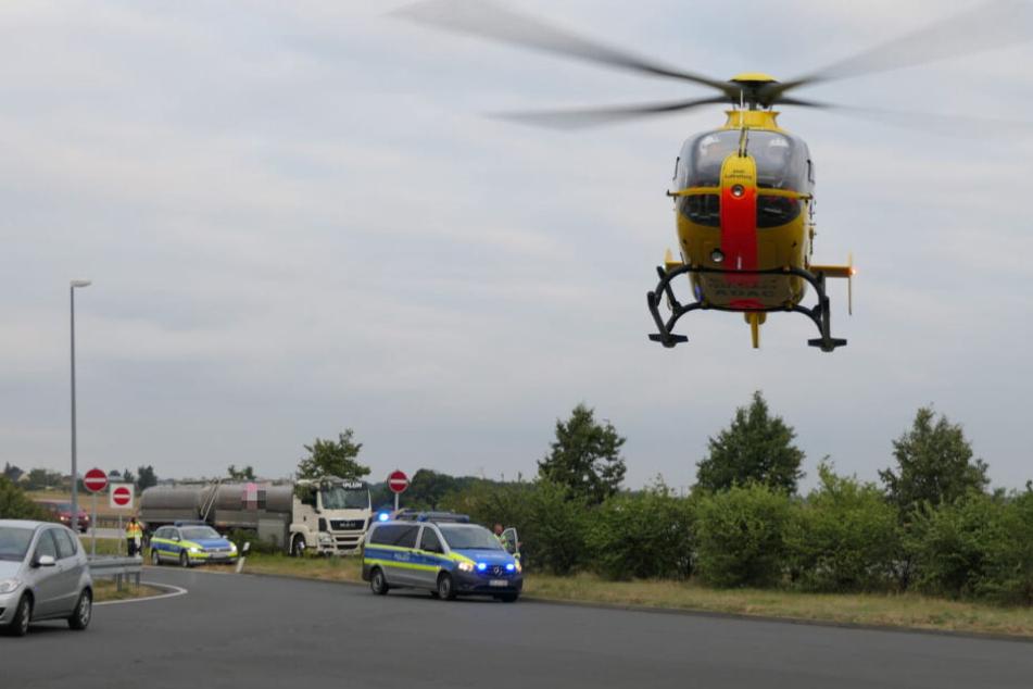 Der verletzte Fahrer (52) wurde in eine Klinik geflogen.