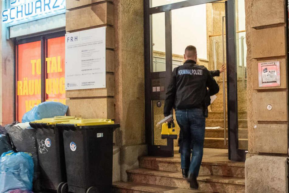 Im ersten Geschäft waren die Polizisten seit zwei Uhr in der Nacht unterwegs.