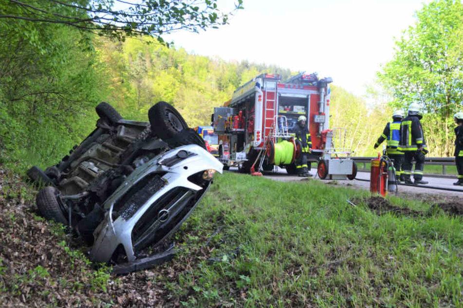 Die Feuerwehr musste die K4571 voll sperren.