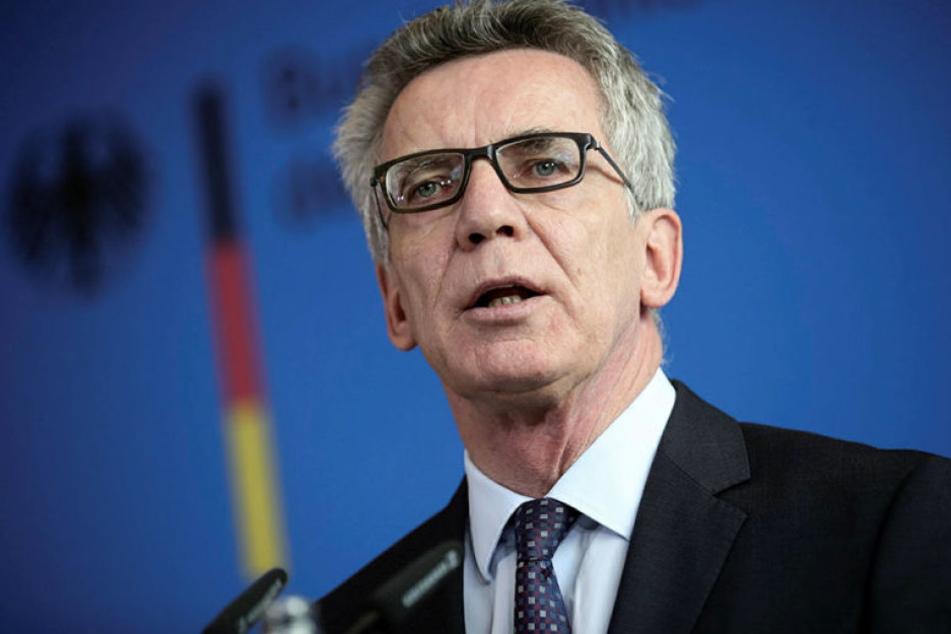 Bundesinnenminister Thomas de Maizière hat eine schnelle und umfassende Aufklärung des Todes von al-Bakr in einer Gefängniszelle gefordert.
