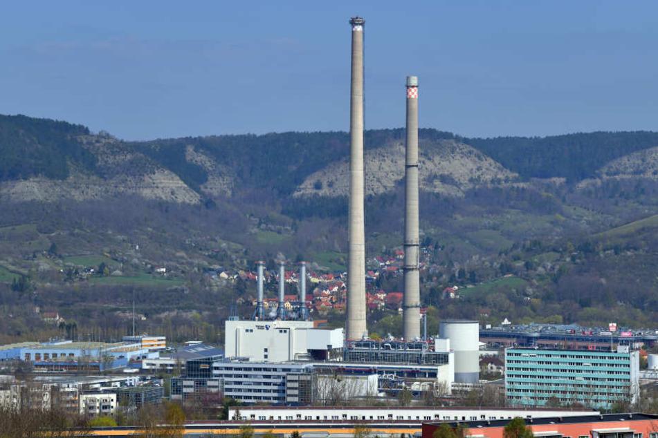 Seit fast 40 Jahren steht der Schornstein in Jena, am Donnerstag wird das ein Ende nehmen.