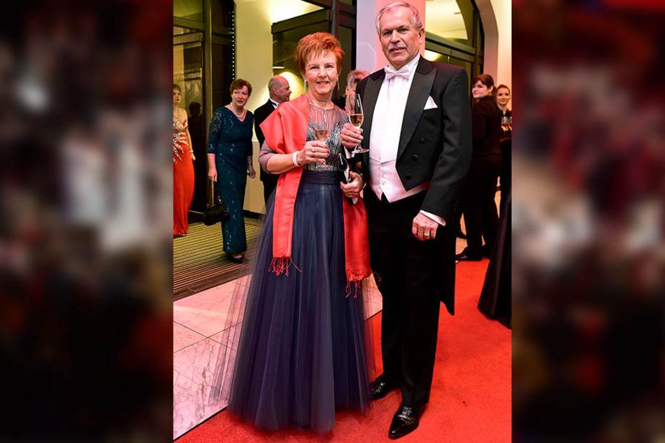 Sind Stammgäste beim Opernball: Professor Klaus-Jürgen Matthes, früherer Rektor der TU Chemnitz und seine Frau Regine.