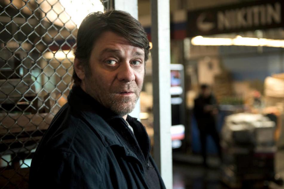 Frank Lorenz (Roeland Wiesekker) versucht, den Fall auf eigene Faust zu klären.