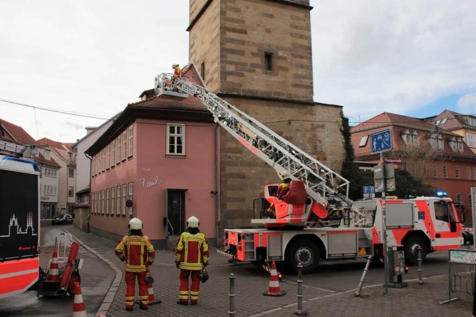In Erfurt wurden immer wieder Dächer vom Sturm beschädigt.