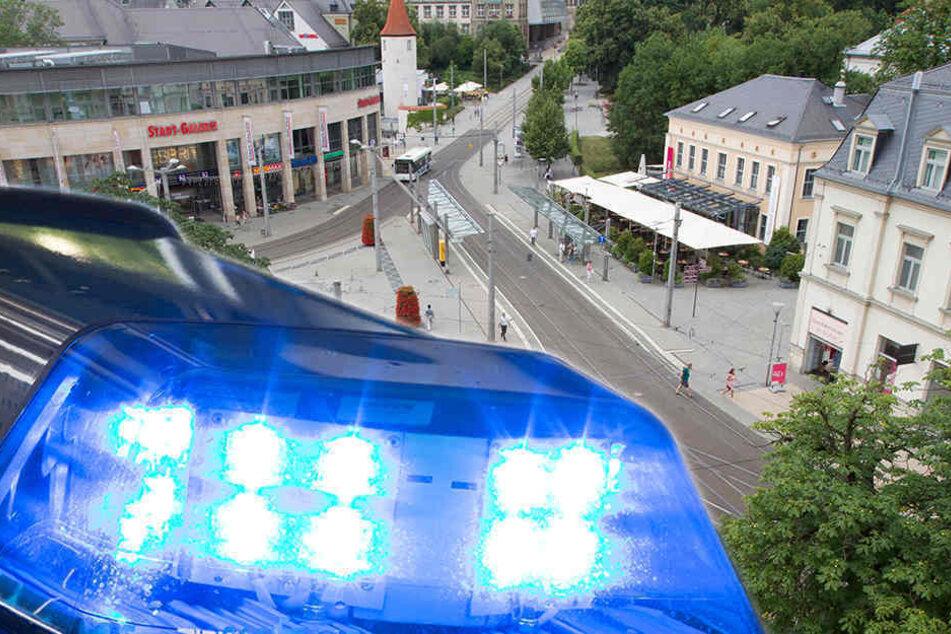 Am Samstagabend eskalierte ein Streit in Plauen. (Bildmontage)