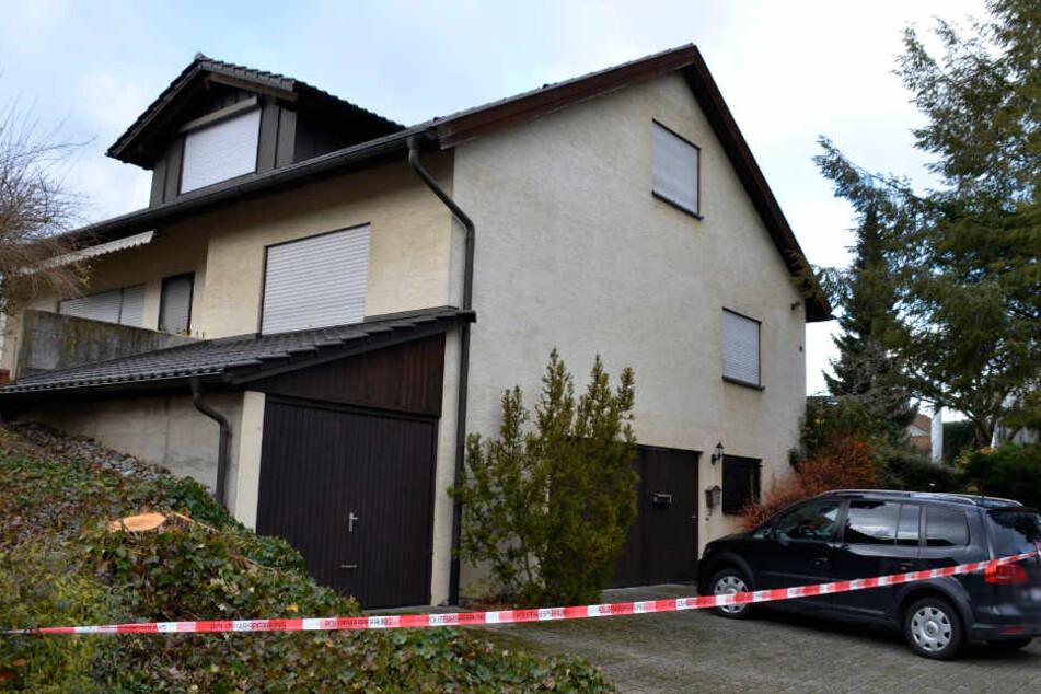 Familiendrama in Warthausen: Großmutter stirbt an Stichverletzungen