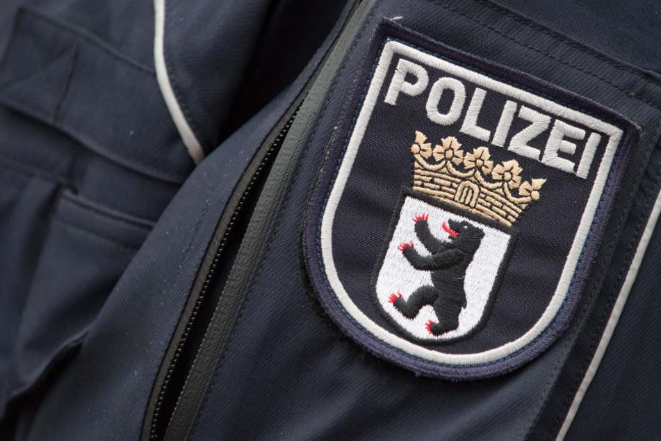 Hass-Duo pöbelt in Kneipe gegen Juden und rammt Mann Knie ins Gesicht