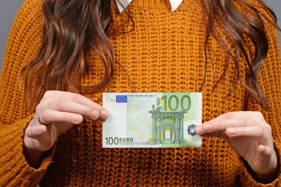 Die Frau hatte einen 100-Euro-Schein gefunden und abgegeben. (Symbolbild)