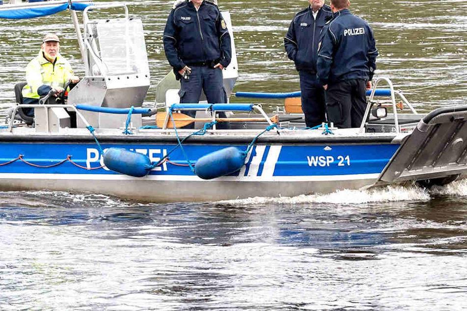 In der Elbe fand die Polizei einen Toten (Symbolbild).