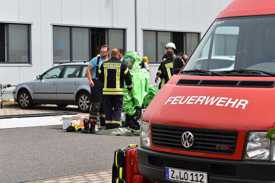 Etwa 60 Kameraden der Feuerwehr sind in Hohenstein-Ernstthal vor Ort.