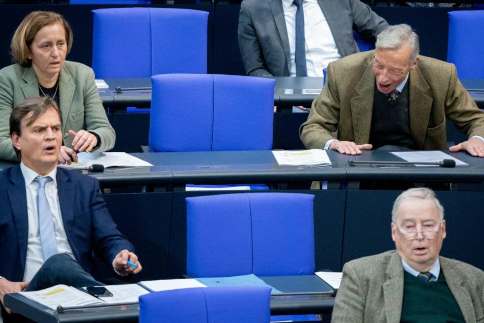 Berlin: AfD scheitert mit Eilantrag gegen Maskenpflicht im Bundestag