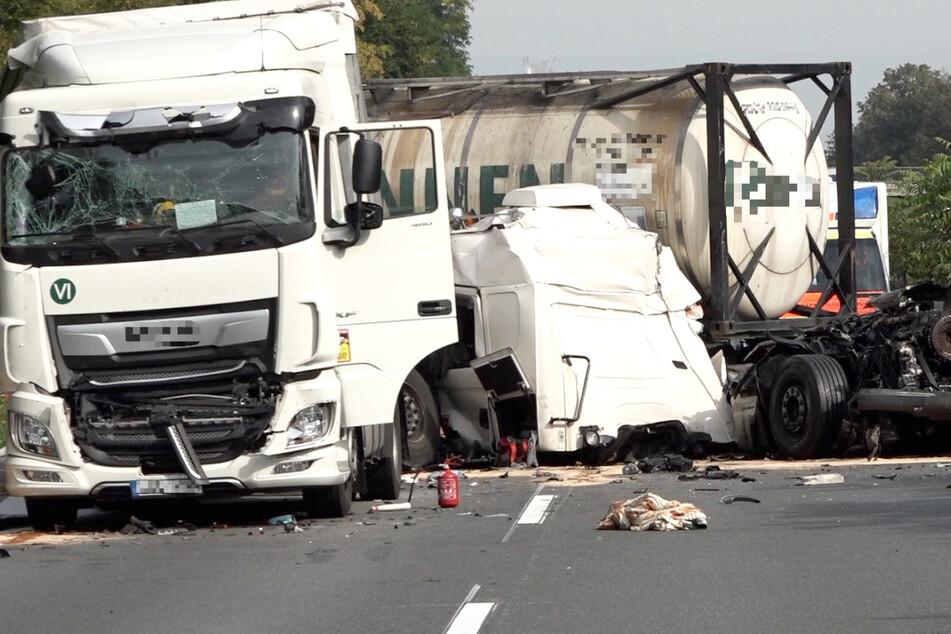 Auf der A67 bei Einhausen in Südhessen kam es am Dienstagmorgen zu einem schweren Lastwagen-Unfall.